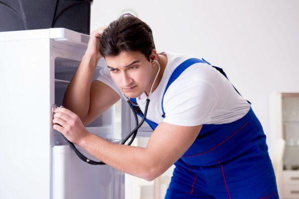 Почему холодильник стал громко работать — причины и способы их устранения