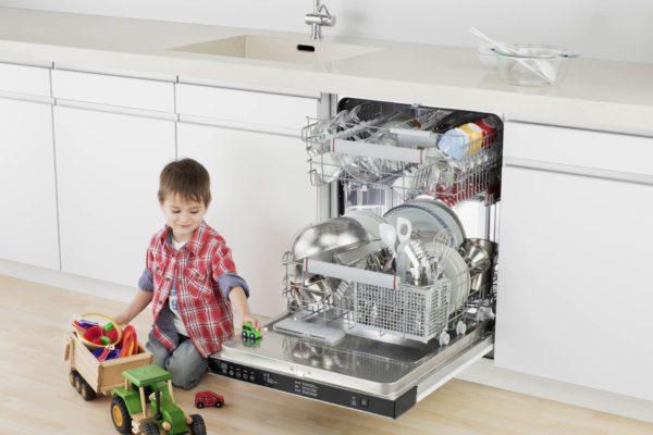 Почему гудит посудомоечная машина и как это исправить