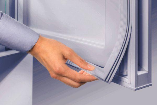 Порвался уплотнитель на дери холодильника — как починить самостоятельно